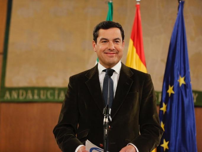 """Juanma Moreno avisa a Vox: """"Si hacen caer a mi Gobierno, la alternativa será la izquierda más radical"""""""