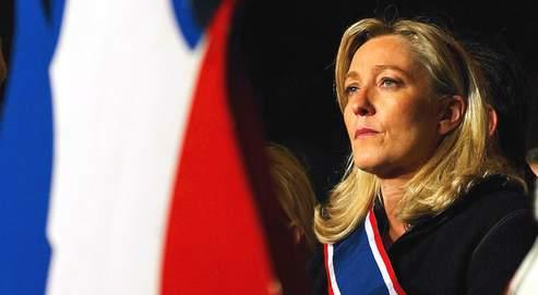 Francia: el FN podría gobernar en cinco regiones según los últimos sondeos.