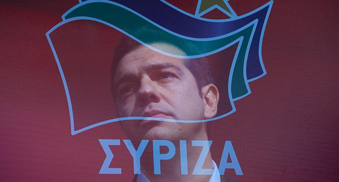 """Grecia: la """"pasokización"""" de Syriza acerca a ND a la absoluta."""