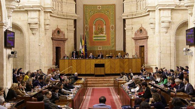 Salon-Plenos-Foto-Parlamento-Andalucia_EDIIMA20141205_0205_26