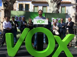 VOX-Andalucía-y-Abascal-300x225