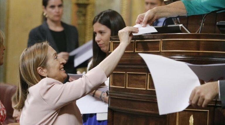 Constituidas las Cortes: el PP mantiene la hegemonía gracias a Ciudadanos y CDC.