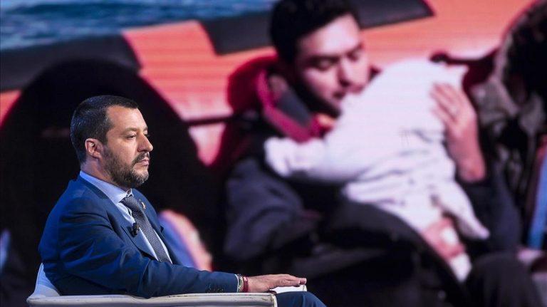 Italia: Salvini anuncia que cierra fronteras también a los barcos militares europeos en misión humanitaria.