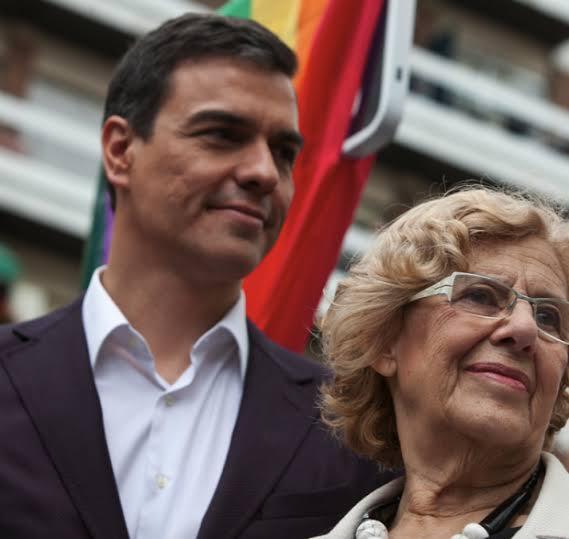 Pedro Sánchez llama a Carmena para pedirle que se presente a la reelección en Madrid.