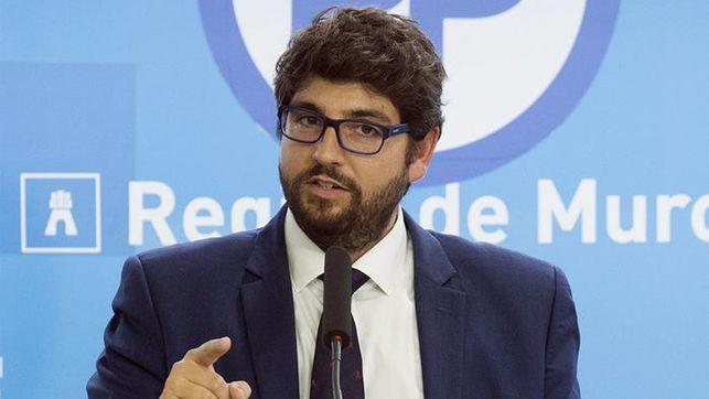 López Miras entiende que haya padres que discrepen con la decisión de escuchar el himno nacional en centros educativos