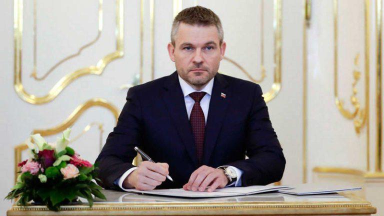 El PM eslovaco hospitalizado con neumonía