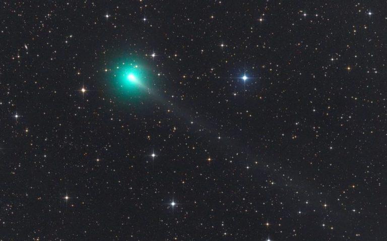 Atlas, el cometa del virus, se rompió en pedazos