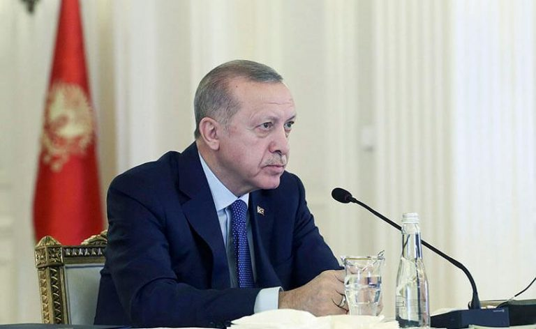 Turquía: Erdogan consuma un paso para acabar con el laicismo. Primer rezo en Santa Sofía como mezquita