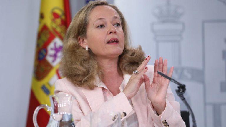 Calviño defiende que el pago por uso en las carreteras «es el modelo europeo y el más justo» territorialmente