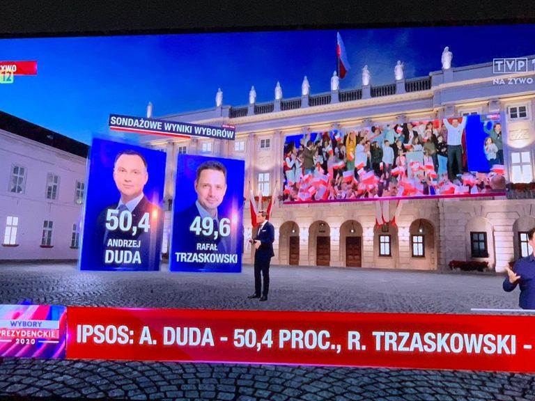 Pie de urna en Polonia: ligerísima ventaja de Duda