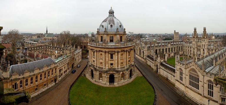 La vacuna de Oxford se ve obligada a parar