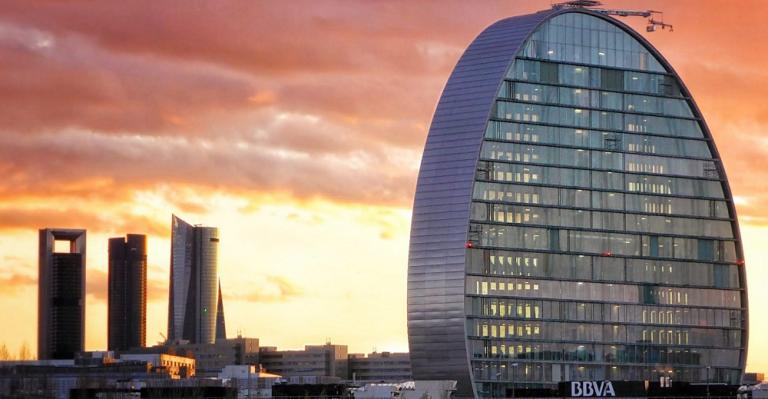 Telefónica y BBVA culminarán el 18 de septiembre su salida del Euro Stoxx50