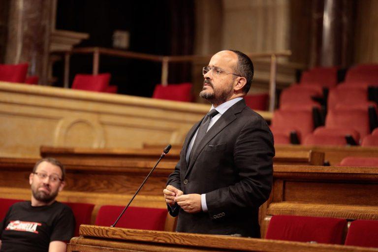 El PP catalán a Ciudadanos: «quien pacte los presupuestos de Sánchez es difícil que vaya en coalición con nosotros»