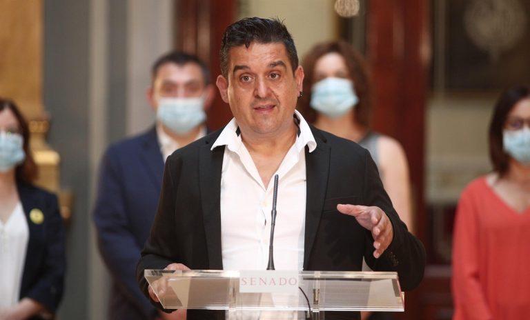 Compromis llama hipócrita al Gobierno y acusa a Carmen Calvo de usar la 'memoria democrática' como cortina de humo