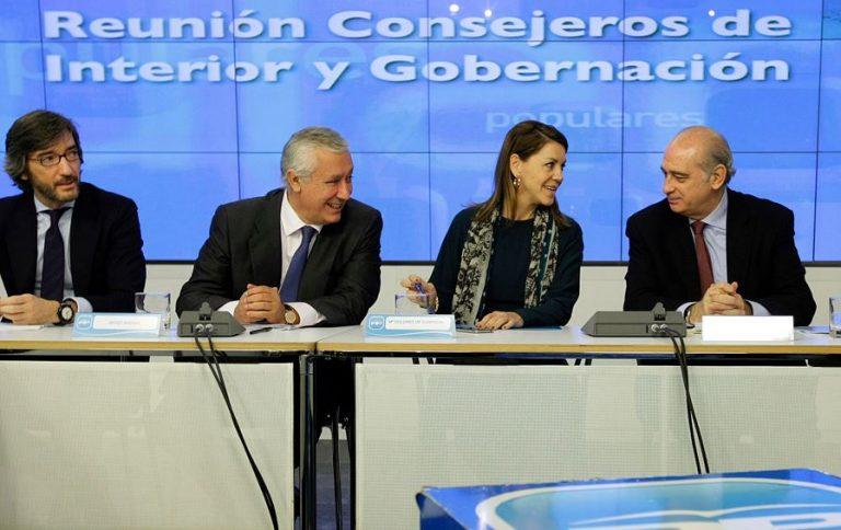 La fiscalía anticorrupción pide la imputación de Fernández Díaz y Cospedal por el caso Villarejo
