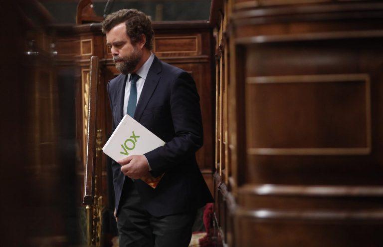 """Vox habla de """"comprensión"""" entre exdirigentes de PP y PSOE a la moción de censura pero """"solo en privado"""""""