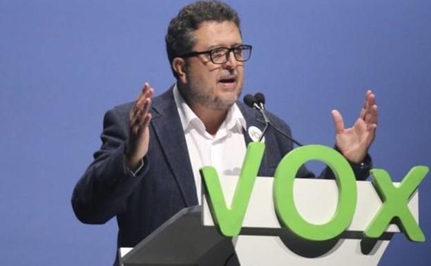 Francisco Serrano, el cabeza de cartel de Vox Andalucía, renuncia al acta de diputado y deja la política y el partido