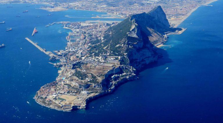 Seguimos esperando a Gibraltar, y se acaba el tiempo