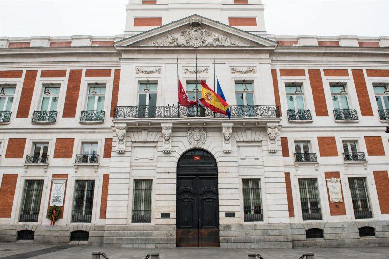 Arranca la reunión entre Sánchez y Ayuso en Sol, tras recibirle la presidenta junto a Aguado