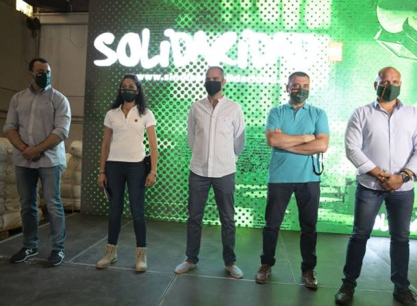 Vox-Solidaridad contraprograma una concentración al mismo tiempo de la reunión Sánchez-Ayuso