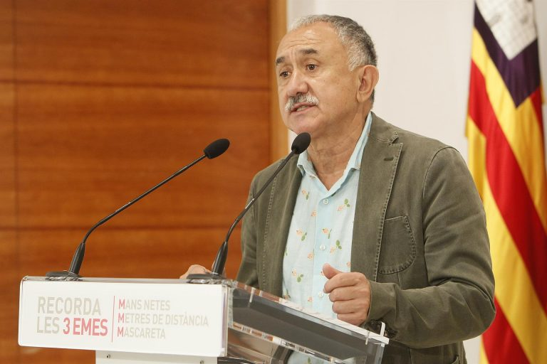 Pepe Álvarez (UGT) señala que «no son aconsejables» ahora las subidas de IVA a la sanidad y educación privadas