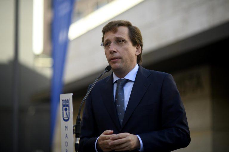 Almeida elogia a Abascal por leer los nombres de víctimas de ETA aunque dice que no es el presidente que necesita España