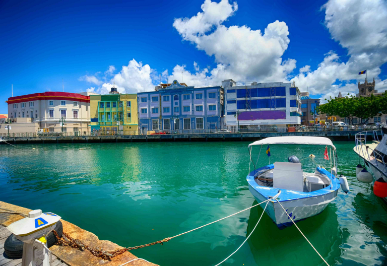 Barbados y Anguila, nuevos paraísos fiscales según Europa