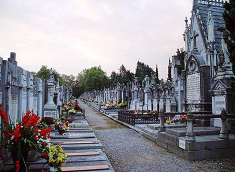 Donostia / San Sebastián pide a los vecinos que adelanten la visita al cementerio de Todos los Santos