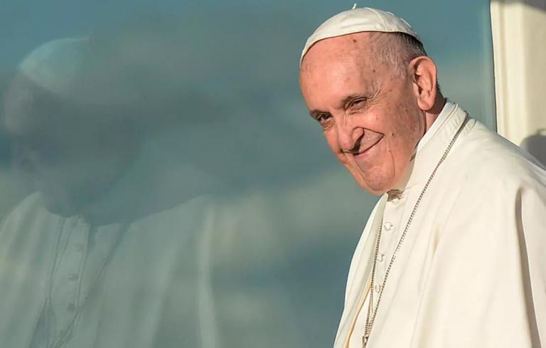 El Papa declara que los homosexuales tienen derecho a una familia reconocida legalmente