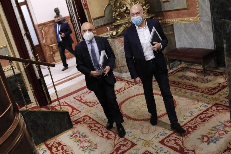 El PSOE acusa a Ayuso de pelear con todos menos contra el virus