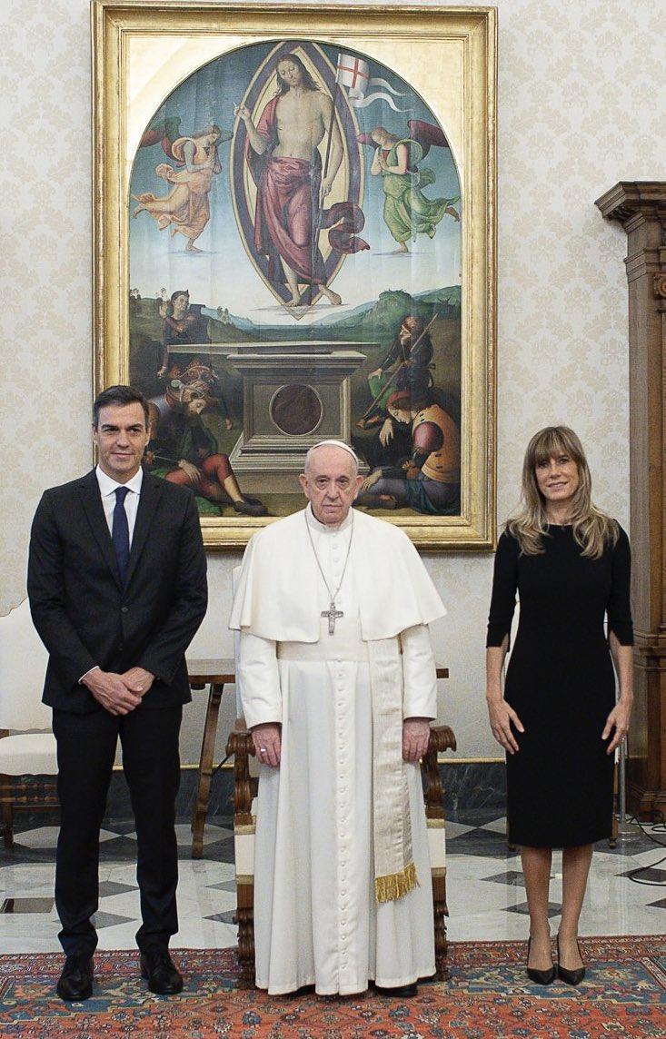 """El Vaticano ensalza la """"oportunidad de diálogo constante"""" entre Iglesia española y Gobierno de Sánchez tras la reunión"""
