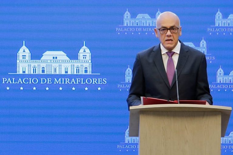 """Venezuela niega la """"detención"""" de trabajadores de la embajada española"""