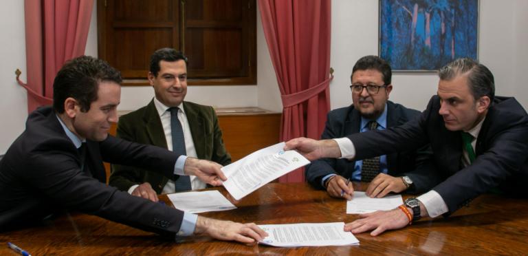 Vox retira su apoyo al Gobierno andaluz si no implanta ya el «pin parental»