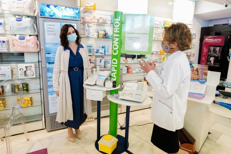 Madrid quiere hacer test en farmacias antes de Navidad