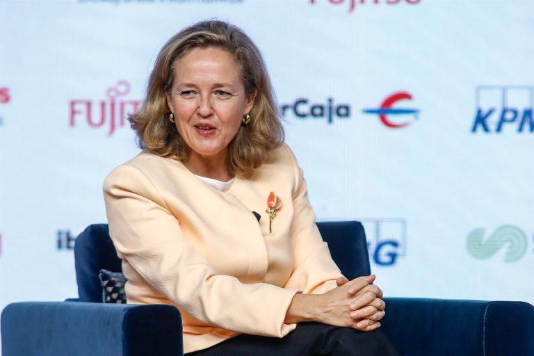 Gobierno, Banco de España y Comisión Europea discrepan sobre subidas de pensiones, funcionarios y la caída del PIB
