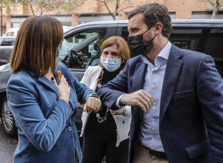 Casado reclama en Valencia un 'trilingüismo cordial'