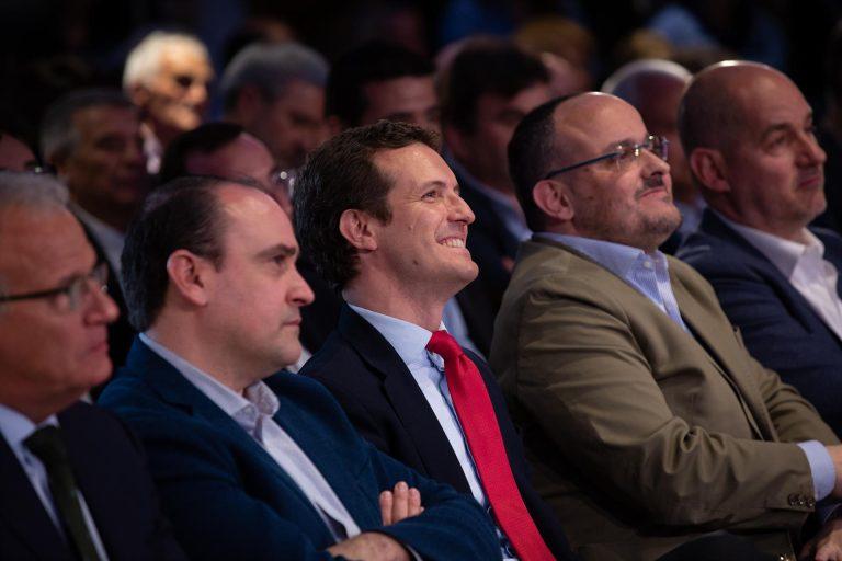 Casado vuelve este viernes a Cataluña en plena precampaña electoral y se verá con hosteleros en Barcelona
