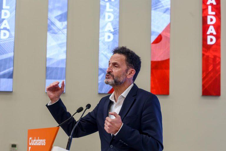 """Bal ironiza con que Gabilondo ha elegido un sitio """"magnífico"""" para colgar su lona electoral, la plaza de Callao"""