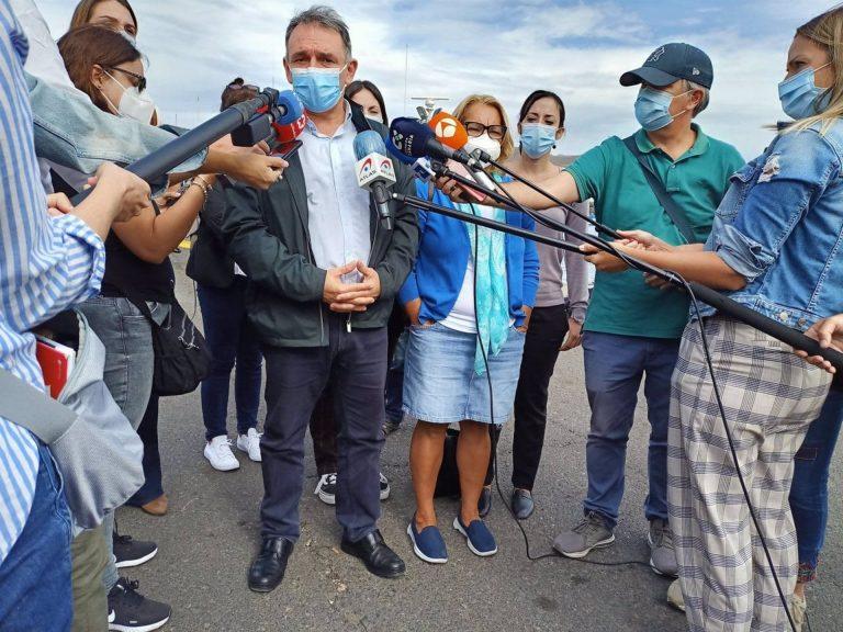 IU asegura que el Estado cuenta con los «recursos suficientes» para atender a los migrantes que llegan a Canarias