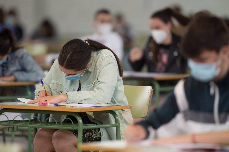 El Consejo Escolar del Estado aprueba que los alumnos puedan obtener el Bachiller con un suspenso