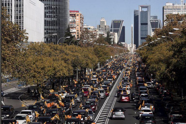 'Más plurales' reúne a miles de manifestantes contra la Ley Celáa