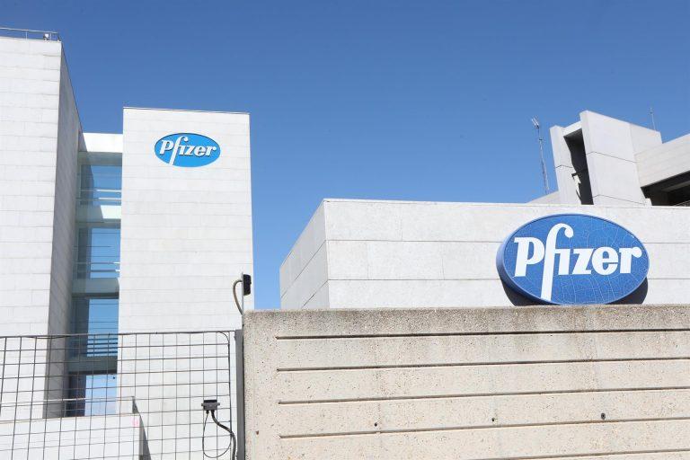"""Pfizer asegura que su vacuna contra el Covid-19 es eficaz """"en más del 90%"""" y dispara al alza las bolsas"""