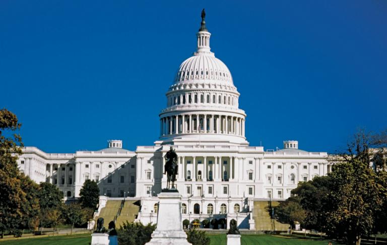 El Senado se inclina hacia los republicanos, pero seguirá en el aire hasta el 5 de enero