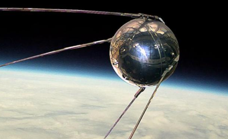 Carrera 'especial': Sputnik dice ahora que su efectividad es del 92%, frente al 90% de Pfizer
