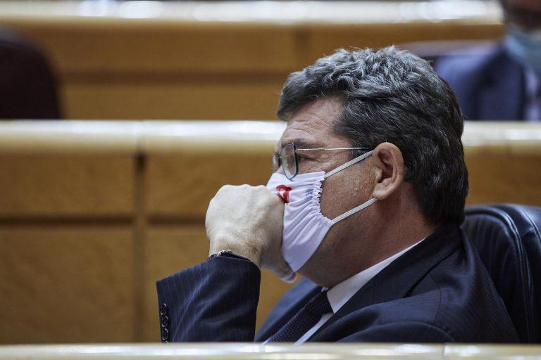 Escrivá dice que sus reformas no van contra el pacto PSOE-UP y descarta irse del Gobierno