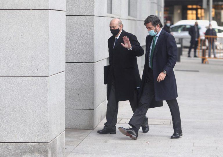 Fernández Díaz cuestiona la actuación notarial para  intentar no ser condenado por la 'Kitchen'