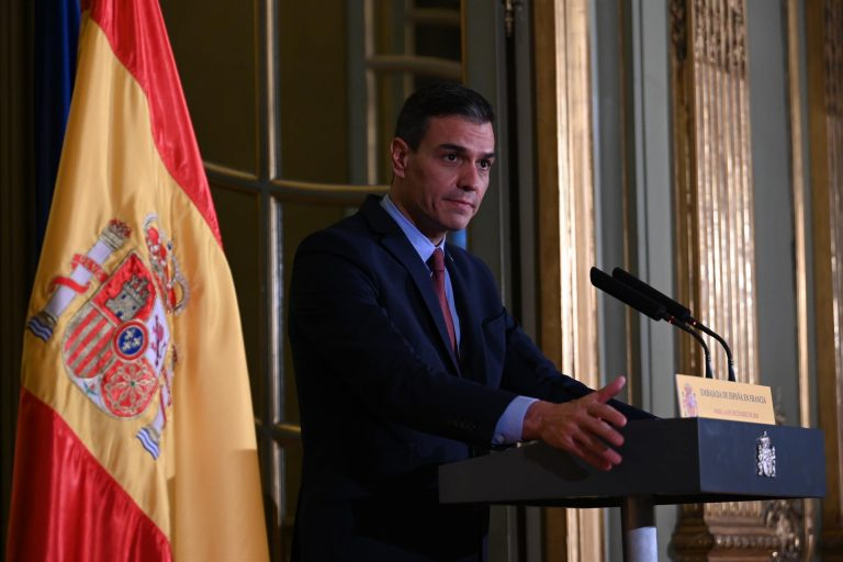 Pedro Sánchez dice que el gobierno lleva un adelanto de seis meses en el cumplimiento de sus objetivos