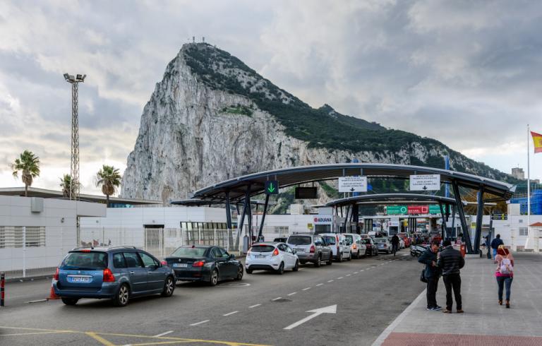 España, dispuesta a ceder a Frontex el control de la frontera con Gibraltar