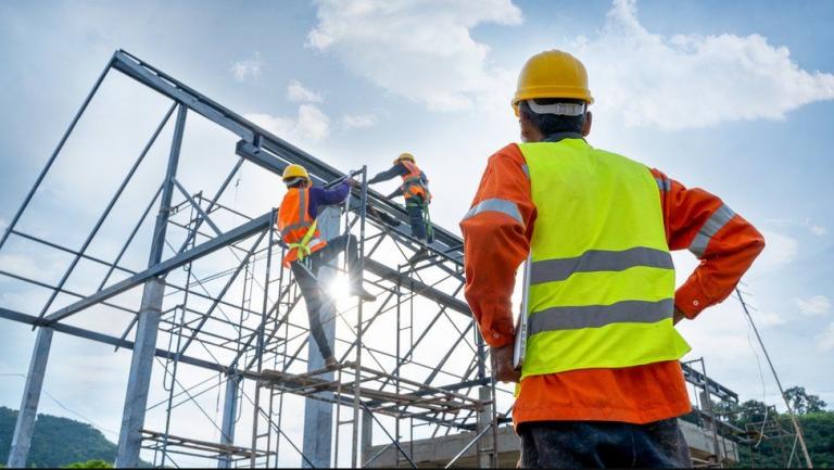 ¿Es factible rebajar por ley la jornada laboral?