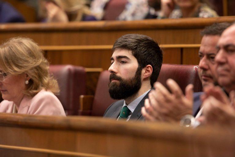 Cascada de críticas a Vox en un debate del Congreso sobre libertad de expresión: racistas, machistas, pijos y señoritos